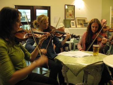 London Fiddle School in the bar